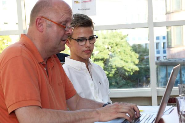 Ausbildungspate mit Schüler
